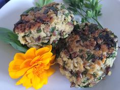 Quinoa, Spinach and Sunflower Seed Patties Quinoa Dishes, Quinoa Salad Recipes, Quinoa Spinach, Chopped Spinach, Low Calorie Dinners, Healthy Seeds, How To Cook Quinoa, Sunflower Seeds, Roasted Vegetables
