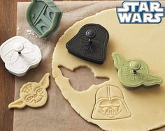 Star Wars Cookie Cutter Set: Yoda, Vader, Boba Fett & Stormtrooper; need for the dudes lunches!