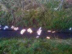 Afval in Paterswolde, langs hardloop route.