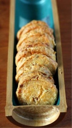 """Cheddar Walnut Crack Cheddar Walnut Crackers - Previous pinner said """"I added tsp of garlic powder to the mix and topped with garlic powder salt flakes and cayenne. Savoury Biscuits, Savoury Baking, Appetizer Recipes, Snack Recipes, Homemade Crackers, Homemade Cheese, Muffins, Snacks, No Bake Cookies"""