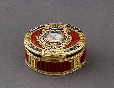 Snuff-box, 18th century?  Switzerland Gold, diamonds, enamel; miniature attributed to the Van Blarenberghe brothers