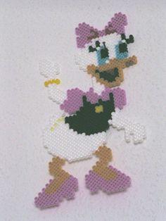 Daisy Duck Hama Bügelperlen by dolmibine