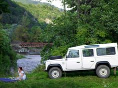 JBK Land Rover Defender Out on a picnic
