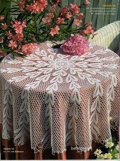 Crochet doily crochet doilies Crochet tablecloth Home Crochet Tablecloth Pattern, Crochet Bedspread, Crochet Doilies, Thread Crochet, Filet Crochet, Crochet Scarves, Beau Crochet, Crochet Home, Mantel Redondo A Crochet