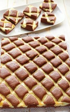 Whole pear cake - HQ Recipes Nutella, Italian Cake, Italian Desserts, Baking Bad, Pear Cake, Torte Cake, Gateaux Cake, Cupcake Flavors, Cheesecake Cupcakes