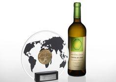 Melhor vinho branco do mundo é português - via MSN 09.03.2015 | O Cortes de Cima Branco 2013 foi considerado o melhor vinho branco seco num dos mais importantes concursos mundiais de vinhos – o Vinalies Internationales, em Paris - acumulando, em simultâneo, o feito de ter sido, entre todos os vinhos e todas as categorias presentes (brancos, tintos, espumantes e vinhos doces), o vinho com maior pontuação de todo o concurso. Note-se que estiveram em prova 3500 vinhos, provenientes de 40…