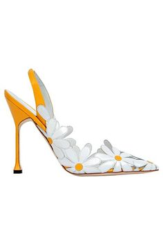Manolo Blahnik - Shoes - 2013 Spring-Summer Is a Daisy shoe! Pretty Shoes, Beautiful Shoes, Cute Shoes, Me Too Shoes, Funky Shoes, Zapatos Shoes, Shoes Sandals, Yellow Sandals, Yellow Shoes
