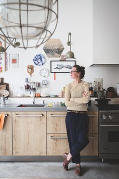 Garage werd gezinshuis in de Volmarijnstraat - Habitat Magazine New Kitchen, Kitchen Dining, Kitchen Decor, Küchen Design, House Design, Home And Living, Home And Family, Interior Design Kitchen, Cheap Home Decor