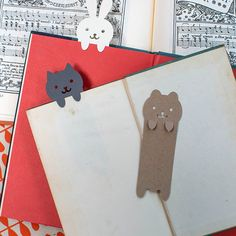 marque-page-animaux-a-decouper. Diy Craft Projects, Diy And Crafts, Crafts For Kids, Diy Paper, Paper Art, Paper Crafts, Diy Image, Diy Marque Page, Cute Bookmarks