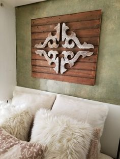 Beekeeper's Tip: Have a blank wall above a bed? Consider adding a rustic architectural element! Pictured here: porch gingerbread pieces mounted on reclaimed wainscoting. Urban Farmhouse, Book Signing, Blank Walls, Wainscoting, Architectural Elements, Bee Keeping, Hello Everyone, Barn Wood, Display Ideas