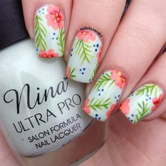 Hawaiian flower nails, hawaiin nails, hawaiian nail art, hawaiian makeup, s Tropical Nail Designs, Tropical Nail Art, Cute Summer Nail Designs, Cute Summer Nails, Nail Summer, Hibiscus Nail Art, Tropical Flower Nails, Summer Toenails, Tropical Design