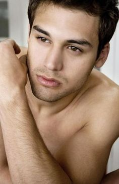 Gay Porno Ryan Guzman