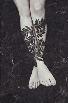 Nature Photography Black and White Ferns Feet Leg Tattoos Women, Girl Tattoos, Tatoos, Female Tattoos, Blackout Tattoo, Nude Photography, Fantasy Photography, Unique Tattoos, Tattoo Inspiration