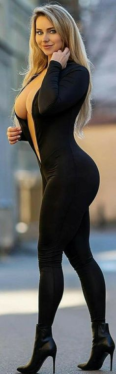 Sexy Outfits, Sexy Dresses, Mädchen In Leggings, Vrod Harley, Looks Pinterest, Curvy Women Fashion, Beauty Full Girl, Gorgeous Women, Curvy Women