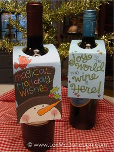 FREE printable wine bottle gift tags ~ or use old Christmas cards Easy Christmas Crafts, Noel Christmas, Christmas Printables, Simple Christmas, Christmas Decor, Xmas, Wine Bottle Tags, Wine Tags, Wine Labels