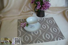 Placemat Madridblend of cotton with embroidered pattern by Emurs