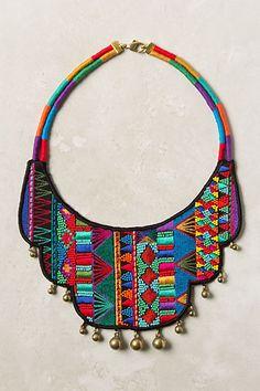 www.cewax.fr aime ce collier plastron style ethnique tendance tribale tissu Tribal collar. #tribal ☮k☮ #ethnic