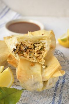 Smoked Snoek and Mussel Parcels – memories of a West Coast weekend! Easy Cooking, Cooking Recipes, Cooking Mussels, Just Fresh, Savory Snacks, Tomato Sauce, Paella, Seafood, Recipies