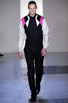 Mugler Fall/Winter 2013-14 Men's Show | Homotography