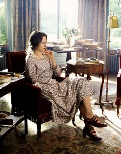 The Hours (2002) directed by Stephen Daldry, starring Meryl Streep, Nicole Kidman and Julianne Moore. Novel by Micheal Cunningham (1998).