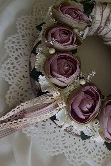 Wianek kwiatowy od Dziedzicka Dekoracje