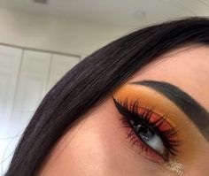 / Pinterest naomiokayyy Makeup, Beauty, faces, lips, eyes, eyeshadow, hair, colour, ombre, body, body goals, fitness, workout, ink, tattoos, nails, claws, piercings, SFX ,makeup, special effects , makeup artist Pinterest: @StyleDiva