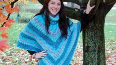 Crochet Granny Cowl Poncho Crochet Poncho With Sleeves, Crochet Poncho Patterns, Crochet Shawls And Wraps, Stitch Patterns, Poncho Design, Granny Pattern, Diy Crochet, Crochet Ideas, Crochet Granny