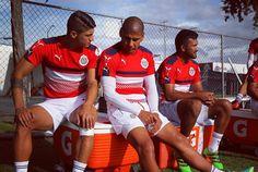 PULIDO ALCANZARÁ A CHIVAS EN HOUSTON El delantero no pudo viajar este viernes junto con el resto del plantel. Alan Pulido podría debutar con Chivas el próximo domingo frente al Dynamo.