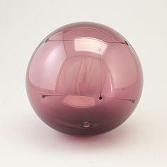 "TIMO SARPANEVA - Glass sculpture ""Aurinkopallo"" (Sunball) for Iittala, Finland.   [diam. 20 cm]"
