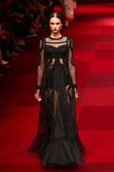Image from http://media1.popsugar-assets.com/files/2014/09/21/045/n/1922564/96c61dd5437733da_455859302_10AJNnru.xxxlarge_2x/i/Dolce-Gabbana-Spring-2015.jpg.