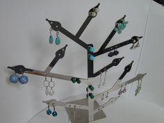 Porta orecchini in acciaio inox , puoi appendere e ammirare fino a 21 paia di orecchini, by Zambaldo Design