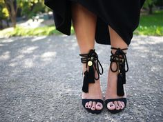 DIY Tassel Sandals: you can work on their style and just with minor additions and subtractions, you can entire change your heels and sandals. Here we present some of the DIY tassel sandals style stories. Pumps, Stilettos, High Heels, Black Heels, Black Sandals, Gladiator Sandals, Black Suede, Diy Fashion, Fashion Shoes