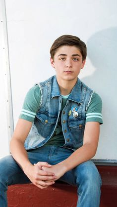 Get To Know Asher Angel With These Fun Facts – The Daily Shuffle