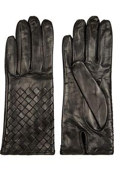 Bottega Veneta.  Intrecciato Leather Gloves.  Black.