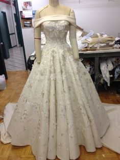 The costumes of Jenny Lind: The Greatest Showman After seeing a couple of posts on LinkedIn showing the progression of the costumes for Rebecca Ferguson's character in The Greatest Showman, i reached. Costumes Couture, Jenny Lind, Carnival Wedding, Rebecca Ferguson, Wedding Inspiration, Style Inspiration, The Greatest Showman, Fancy Dress, Beautiful Dresses