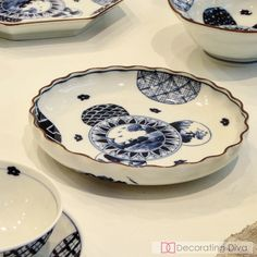 Traditional Japanese pottery and ceramics dinnerware collections. Japanese Pottery, China Patterns, Dinnerware Sets, Traditional Japanese, Serving Bowls, Diva, Plates, Ceramics, Collections