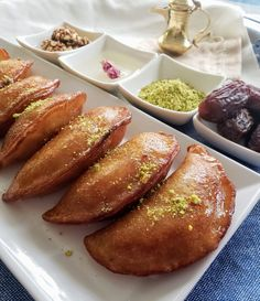 Discover recipes, home ideas, style inspiration and other ideas to try. Arabic Dessert, Arabic Sweets, Arabic Food, Lebanese Desserts, Lebanese Recipes, Atayef Recipe, Middle Eastern Desserts, Indian Dessert Recipes, Round Cakes