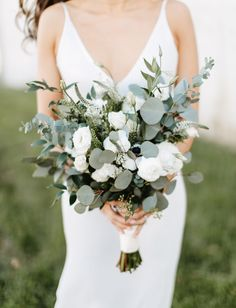 This Minimalistic + Modern Cityscape Wedding was Brimming with Greenery + Glam D. This Minimalistic + Modern Cityscape Wedding was Brimming with Greenery + Glam Details - Green Wedding Shoes Simple Wedding Bouquets, Bride Bouquets, Flower Bouquet Wedding, Floral Wedding, Wedding Greenery, Greenery Bouquets, Modern Wedding Flowers, Green And White Wedding Flowers, Wedding White