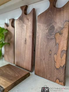 Scrap Wood Projects, Cool Diy Projects, Woodworking Projects, Diy Cutting Board, Wood Cutting Boards, Pallet Furniture Designs, Crafts To Do, Fall Crafts, Bird Houses Diy