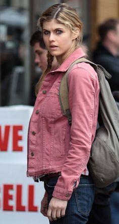 aboutnicigiri: Alexandra Daddario on Percy Jackson set