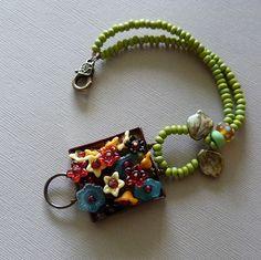 loreleieurtojewelry, etsy  nice to put the flowers in a bezel