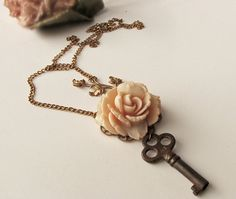 """vintagy and charming . i luv """"shiny things"""" that aren't just PERFET.give me an imperfection, and i'll luv it a little bit extra. Key Jewelry, Jewelry Crafts, Jewelry Accessories, Fashion Accessories, Unique Jewelry, Rose Necklace, Key Necklace, Arrow Necklace, Pendant Necklace"""