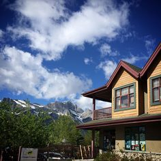 Canmore. #redlipcrew #jointhecrew #canada #nature #beauty #clouds #sky #photography #travel #tourism