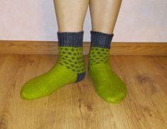 Men's  wool green and grey handmade knitted socks. by Ramzijashop