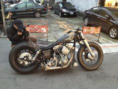 Great styling and color scheme on this bobber.