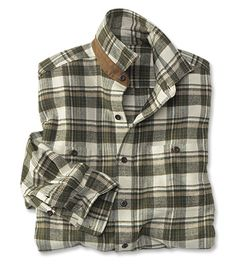 The Perfect Flannel Shirt Nothing says casual comfort like our men's plaid flann… – Men's style, accessories, mens fashion trends 2020 Green Flannel Shirt, Flannel Shirt Outfit, Flannel Outfits, Mens Flannel Shirt, Plaid Flannel, Casual Groomsmen, Teaching Mens Fashion, Picnic Outfits, Casual Shirts