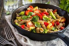 Our lemon garlic pasta with fresh veggies recipe packs in a healthy dose of feel-good fiber and protein, so it's certain to keep you satisfied for hours.