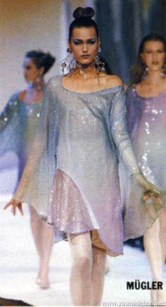 1989 - Thierry Mugler show - Yasmin Le Bon