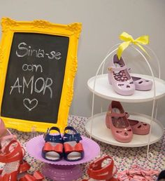 Que princesa não vira a sensação do verão com essas sandálias e sapatilhas da linha Colorê?  valor R$38,90  Link para compra http://purezababy.com.br/calcados-meninas-meninos-bebes.html?cat=44