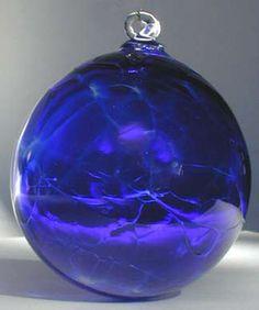 Enchanting Glass Balls make perfect gifts for almost any occasion. These blown glass art creations dance and sparkle in your windows, on your trees, in your gardens ~ just lovely ~ Blown Glass Art, Glass Wall Art, Blue Christmas, Christmas Colors, Victorian Christmas, Homemade Christmas, Christmas Christmas, Vintage Christmas, Christmas Crafts